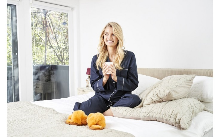 Klapki emu mayberry mustard, futro naturalne - bloggers love - trendy - kobieta 2